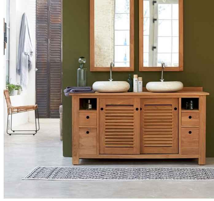 Salle de bains en bois naturel